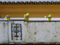 Las Dueñas Wall & Flowerpots